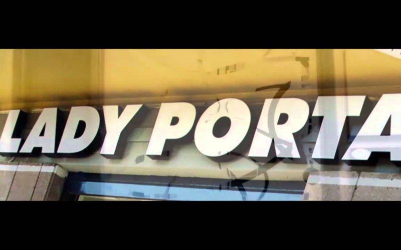 Lady Porta: come scegliere le porte di casa? Gusto e stile, ma anche praticità e validità