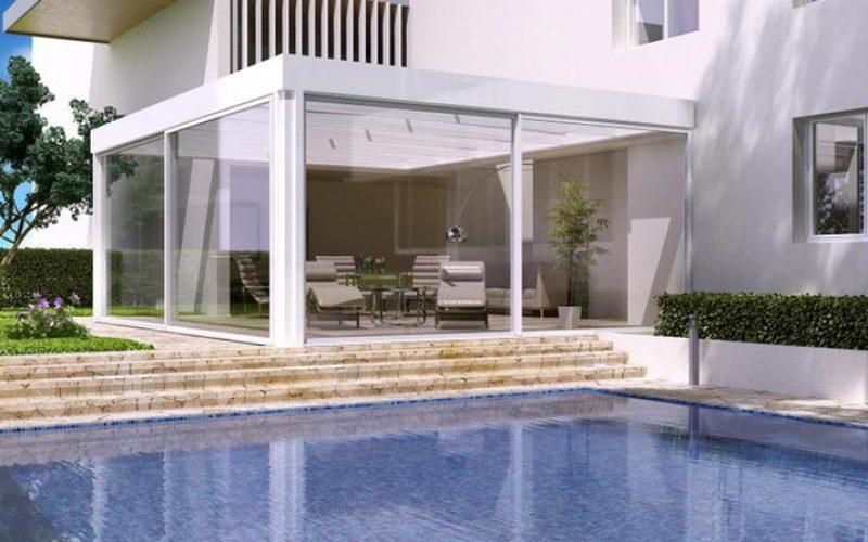 Lady Porta vi offre sistemi componibili di vetrate e finestre per le vostre verande