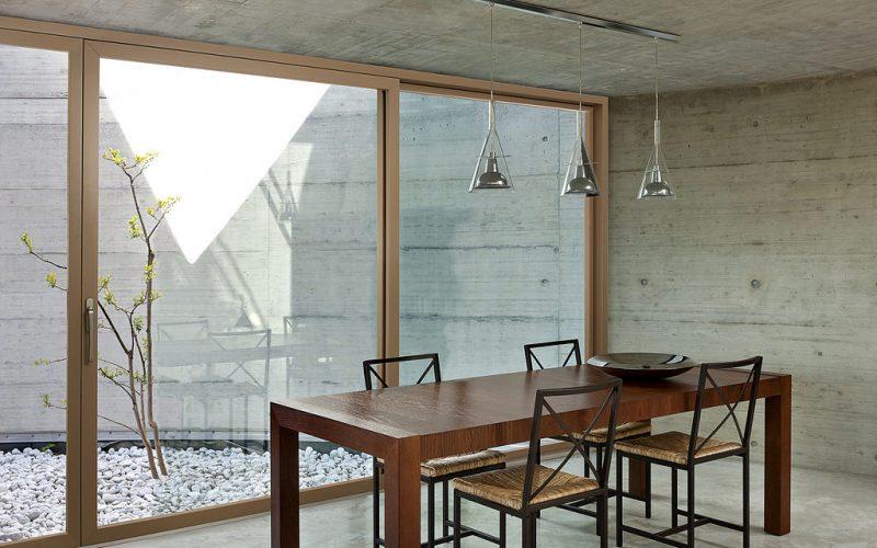 Lady Porta presenta Isik la finestra in legno alluminio di Sciuker